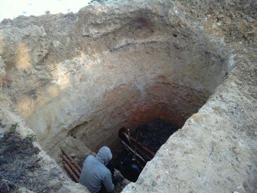 Копають бурштин у Рівненському природному заповіднику