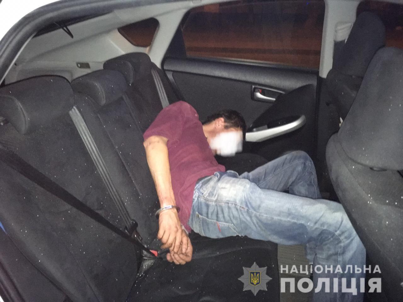 П'яний водій, в автомобілі якого могла вибухнути граната, - не військовий
