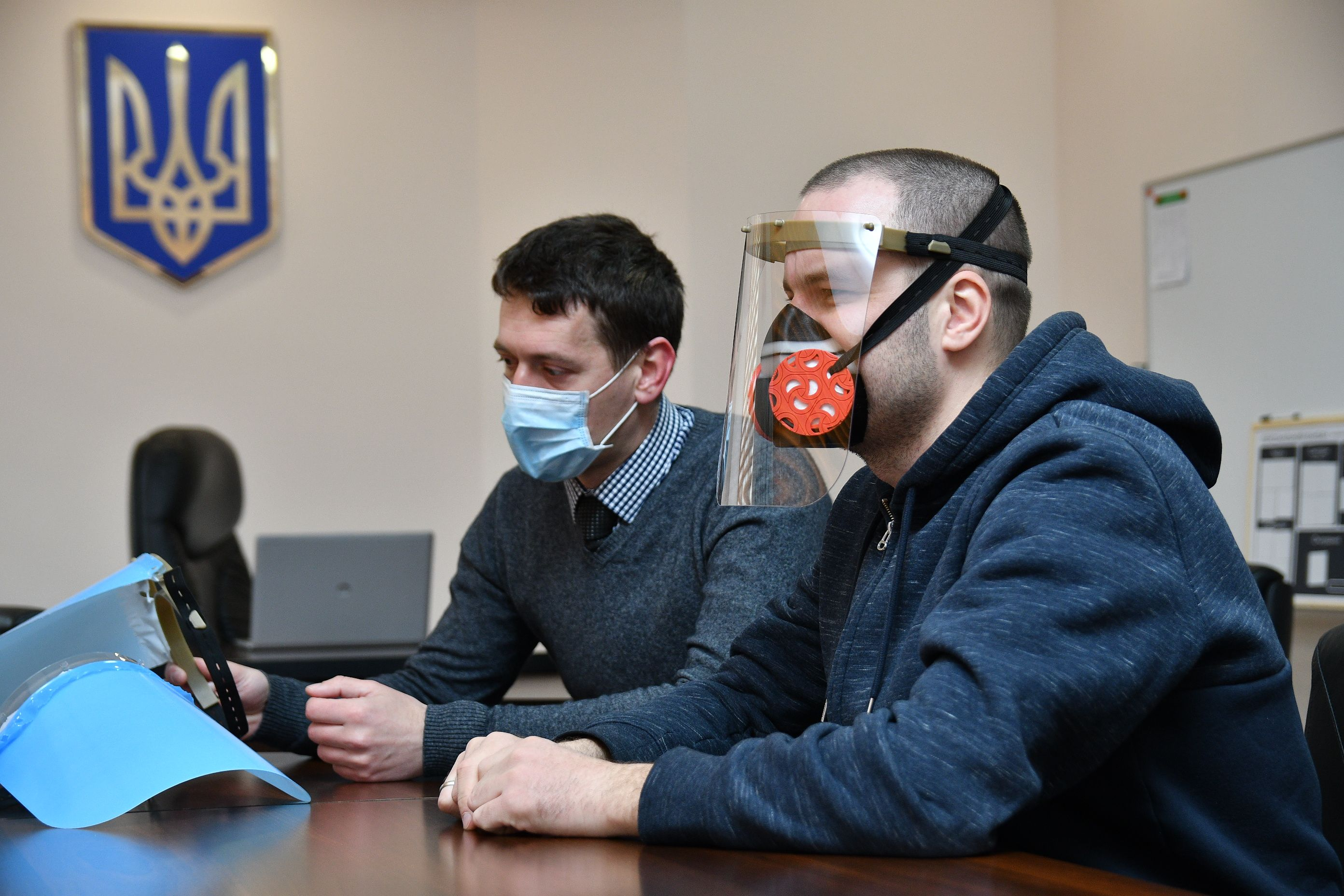 На Рівненщині планують розпочати виробництво захисних масок ...