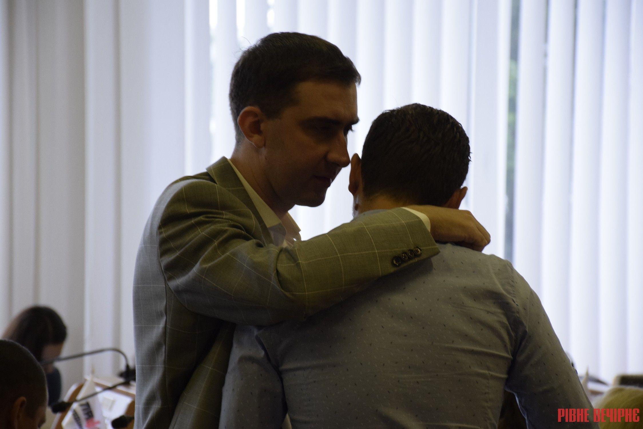 У Рівненській облраді знову зареєстрували проект рішення про недовіру Олексію Муляренку