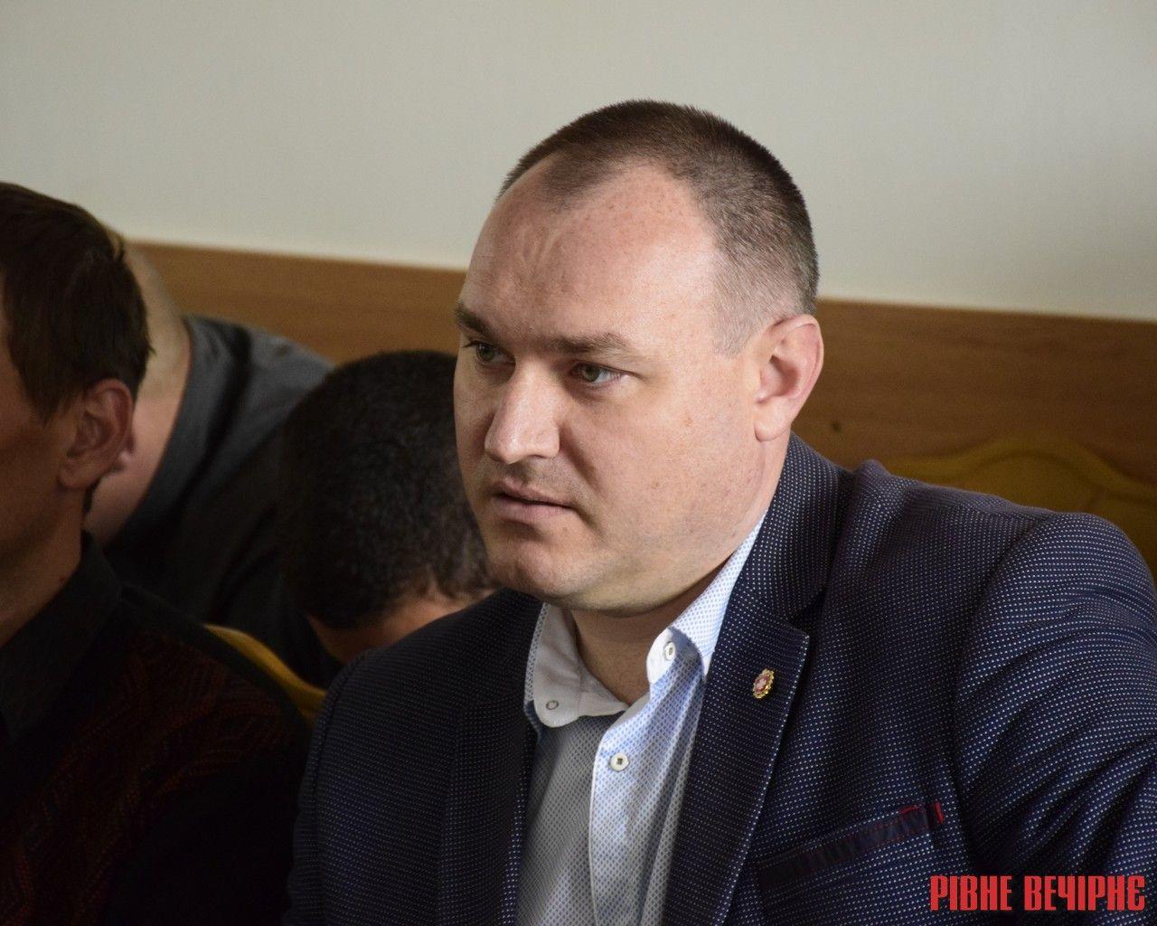 Депутат подав до суду на Рівненську обласну раду