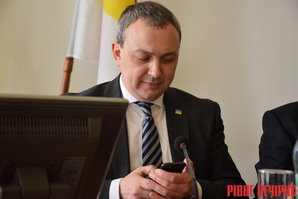 Муляренко виділив Миколі Харитоновичу 20 соток лісу