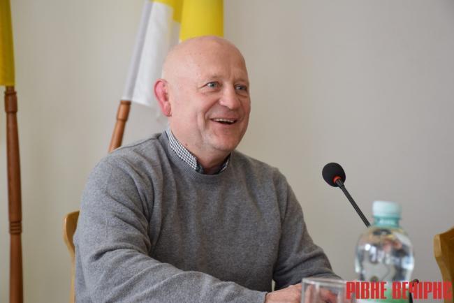 Данильчук знову підписав розпорядження про скликання сесії облради
