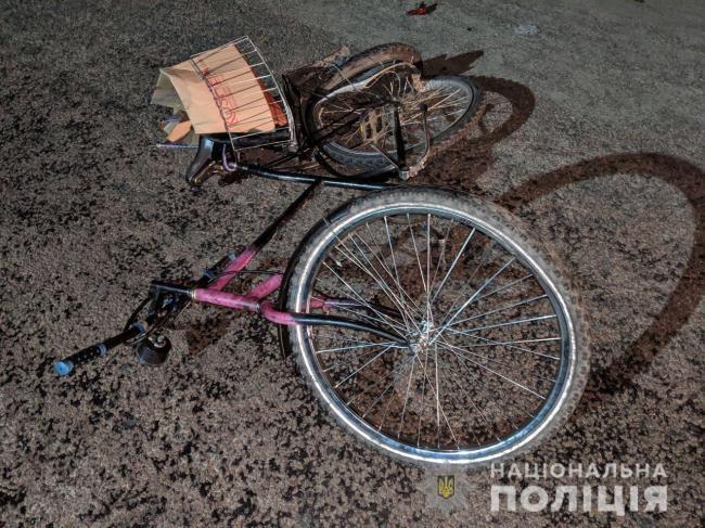 На Прикарпатті юний водій збив 82-річну велосипедистку