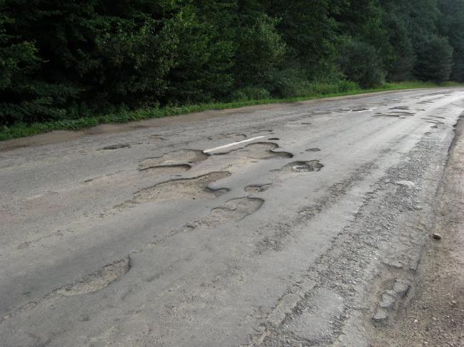 Які сільські дороги і за скільки ремонтуватимуть цього року на Рівненщині